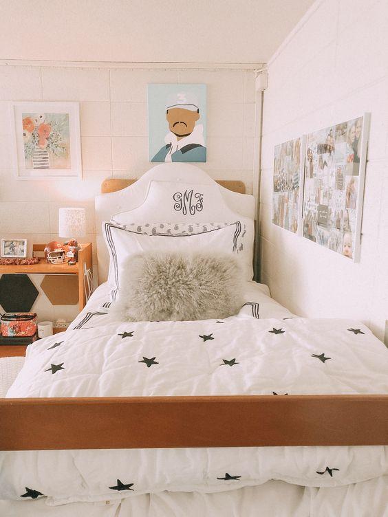 My 2020 Dorm Room Decoration Ideas And Tips Kelly Margaret Johnson